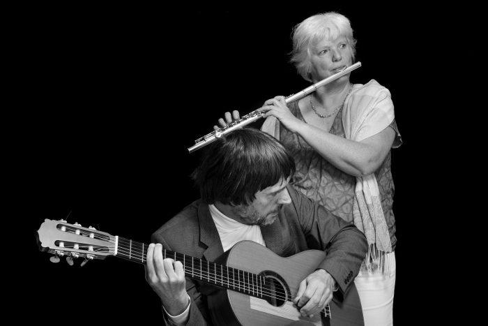 Duo Poetico: Gertrud Krebs (Querflöte) und Franz Slaboch (Gitarre)