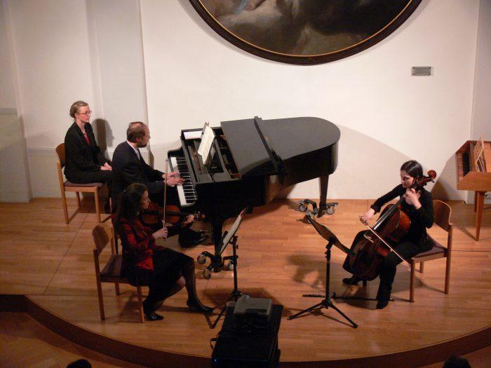 Das Lehrerkollegium der MLV an Klavier, Violine und Violoncello