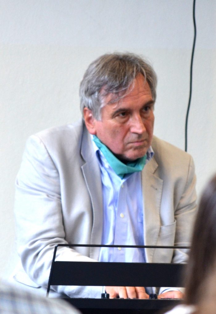 Helmut R